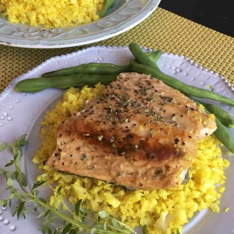 香煎鮭魚&花椰菜飯 Grilled salmon with cauliflower rice