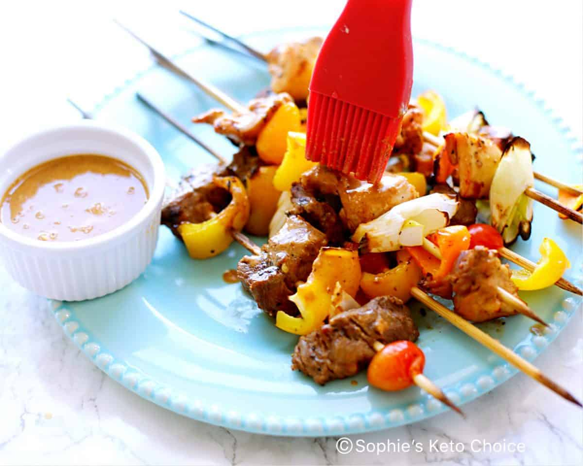 沙嗲串燒 & 蒜蓉芝麻醬 Satay Skewer & Garlic Tahini Sauce