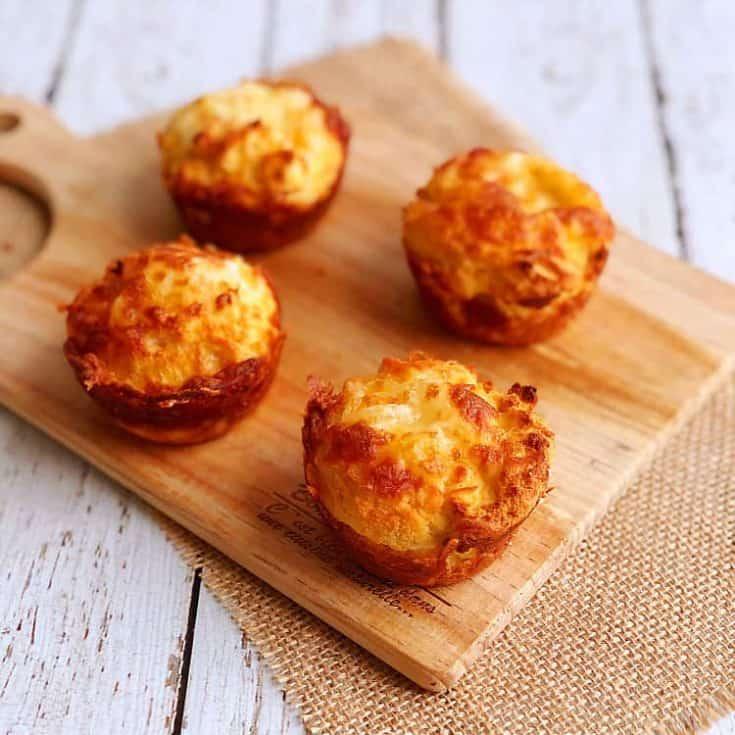 生酮乳酪比司吉 Keto Cheesy Biscuits- 外脆內軟,只需7樣材料!