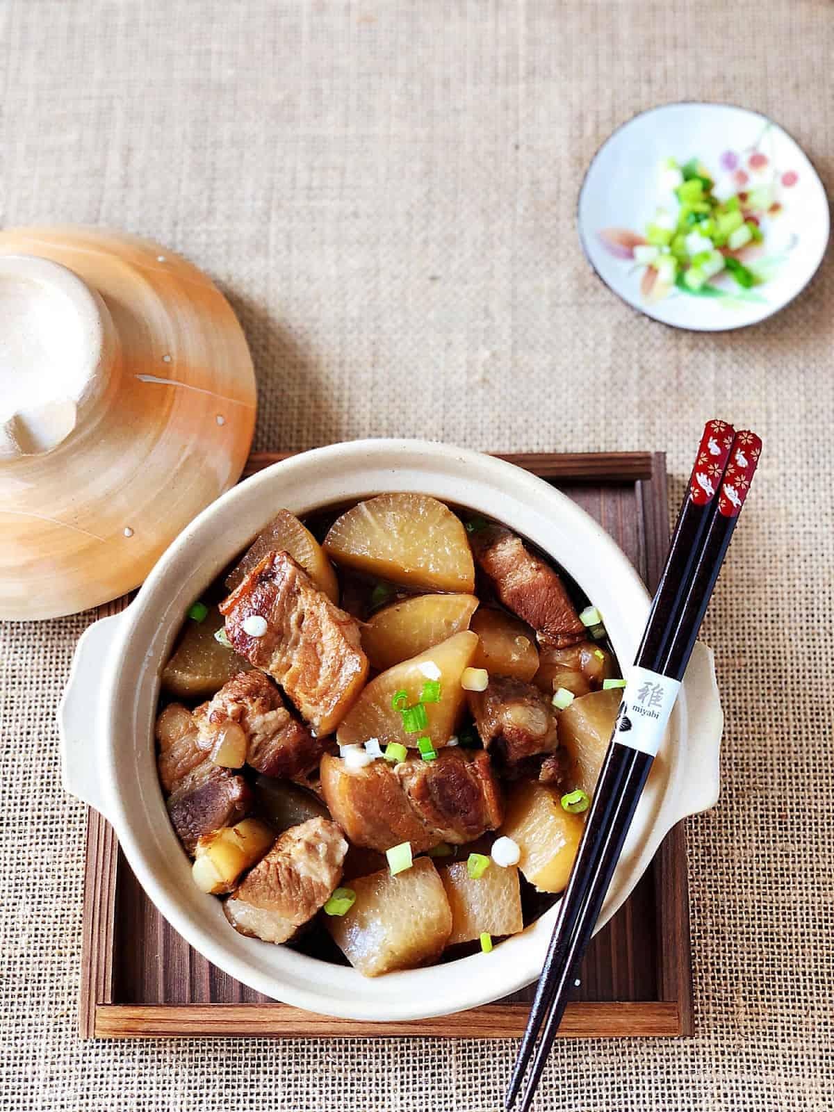 蘿蔔燉肉 -軟嫩燉肉與蘿蔔的溫潤甘甜-清淡和風-壓力鍋&瓦斯爐兩種做法