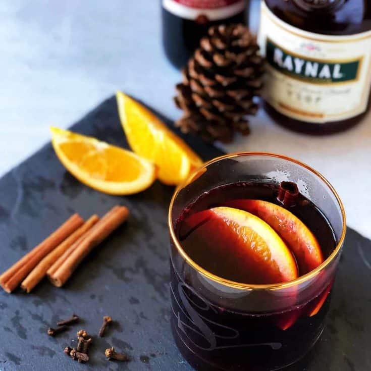水果熱紅酒 Mulled Wine-暖到心坎的聖誕飲料!5種材料5分鐘,低醣無糖