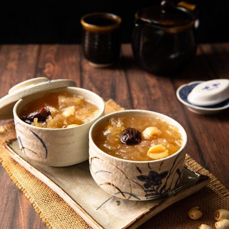 銀耳蓮子湯 -用Instant Pot壓力鍋快速煮出膠質-低醣減醣無糖