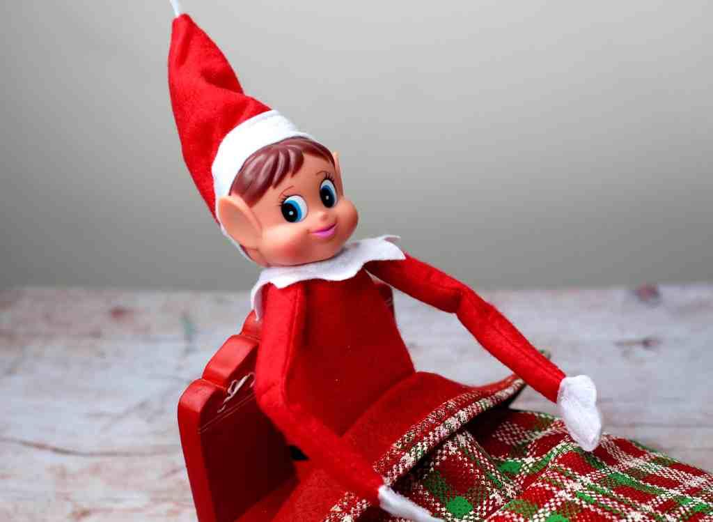 Elves Behavin' Badly – An Alternative Advent Calendar