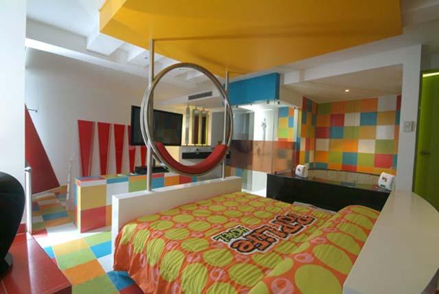 motel_pop_life_1_2013_