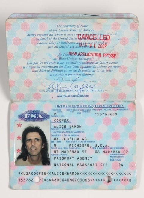 pasaporte alice cooper