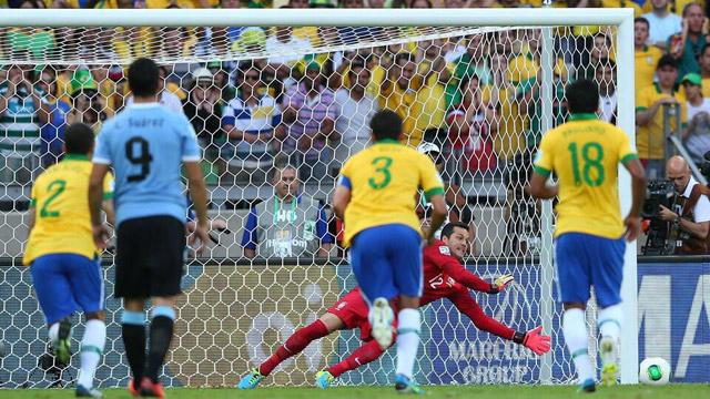 Brasil-vs-Uruguay-Penal-Julio-Cesar