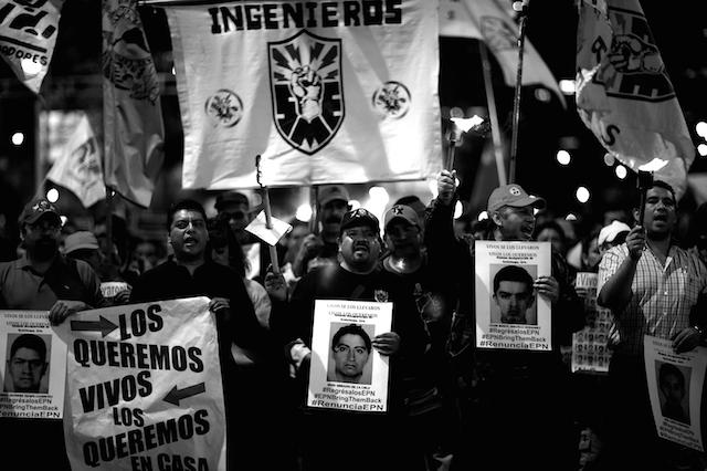 Luz_Ayotzinapa_Santiago_Arau11