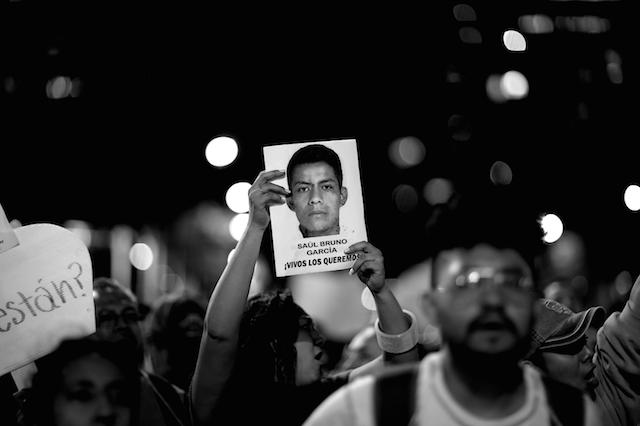 Luz_Ayotzinapa_Santiago_Arau9