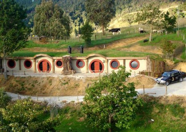 21-hobbit-motel-design