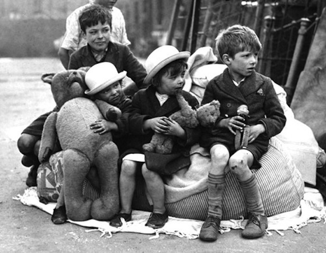 ww2_children_rescued_with_toys1_large