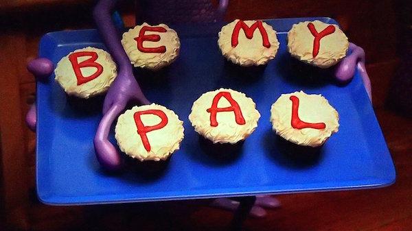 Be-my-pal-cupcakes-English