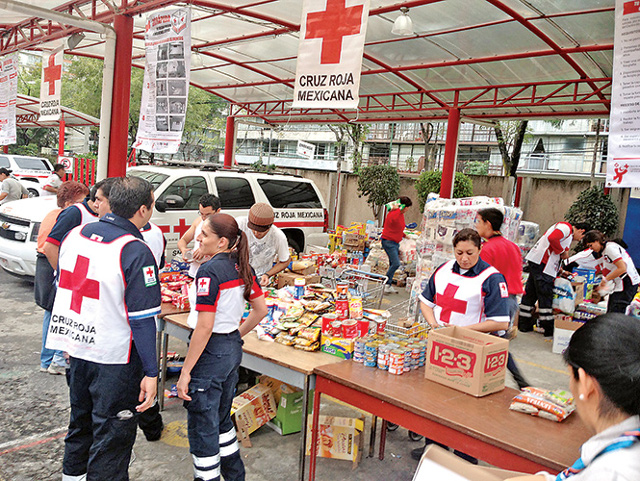 Voluntarios Sismo Cruz Roja