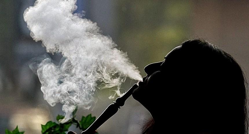 UAE-HEALTH-BAN-SMOKING