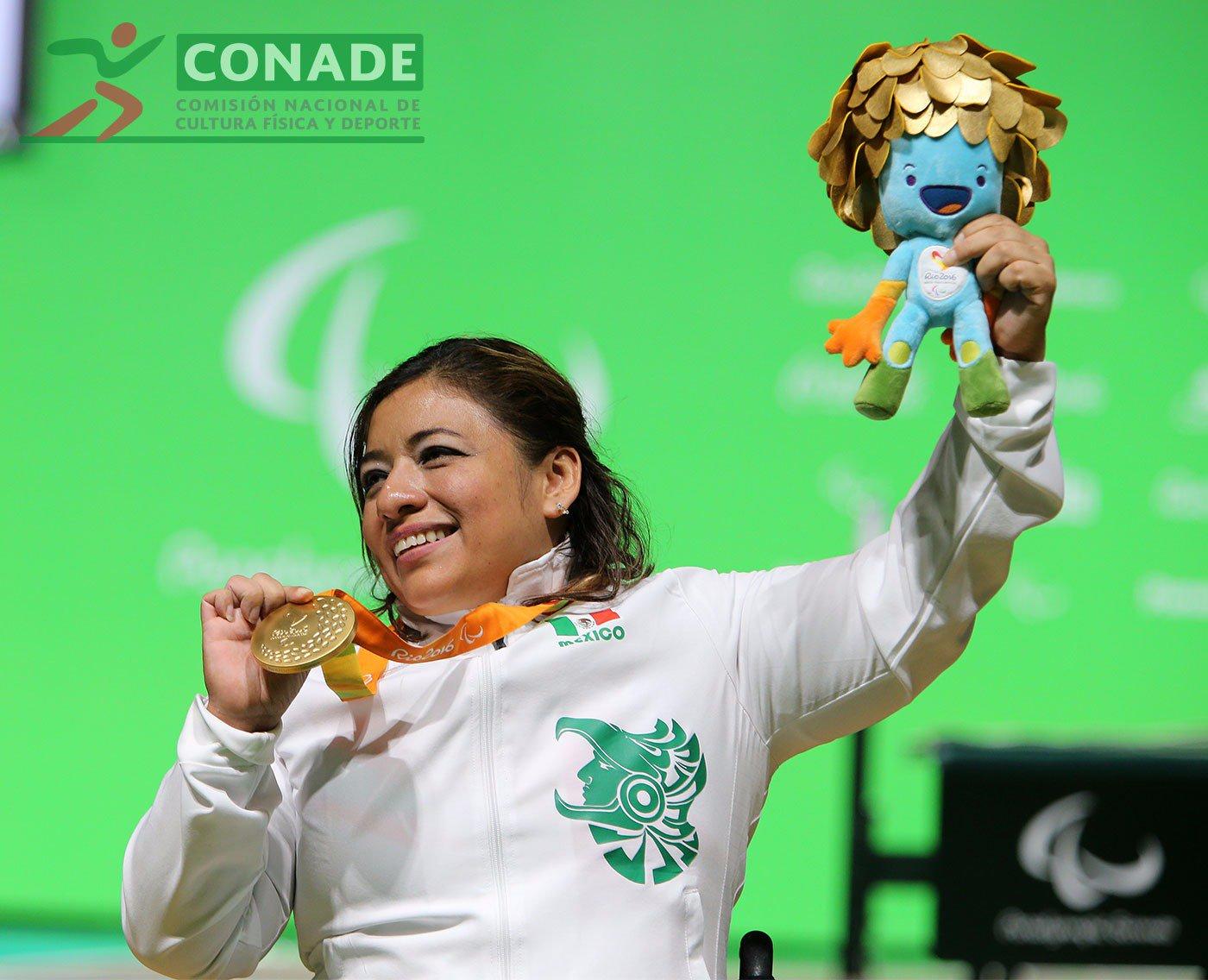amalia-medalla-de-oro