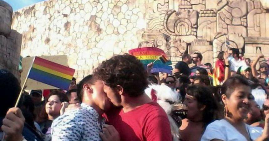 Mérida responde a la discriminación con amor