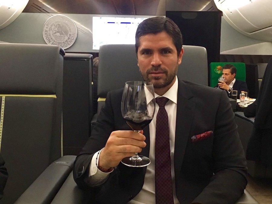 Eduaro Verástegui - Avión presidencial.