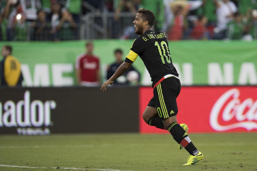 Giovani dos Santos celebrando su gol ante Nueva Zelanda