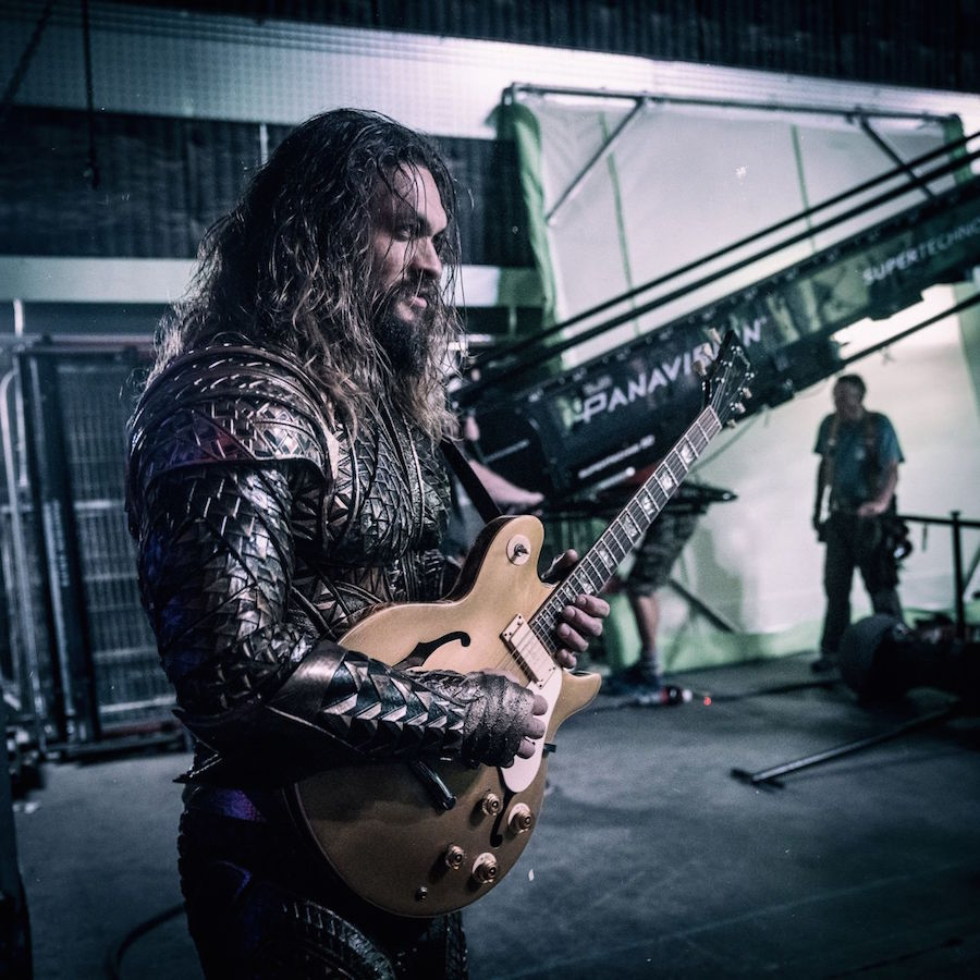 Jason Momoa en el set de Justice League