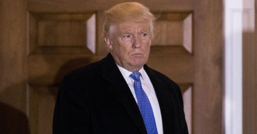 Donald Trump enojado