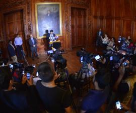 Javier Corral en conferencia de prensa