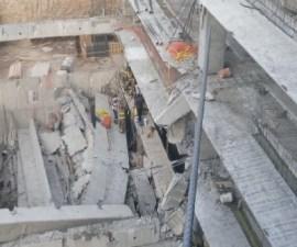 Derrumbe en construcción de estacionamiento en delegación Álvaro Obregón