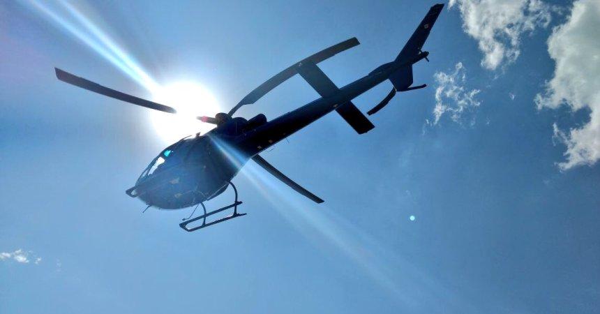 Helicóptero tapando el sol
