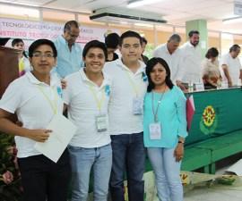 """Estudiantes creadores del proceso """"Quimioteraxol"""""""