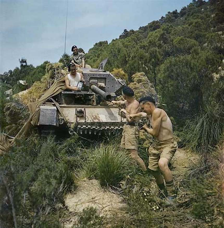 Segunda Guerra Mundial - Tanque en sudfrica