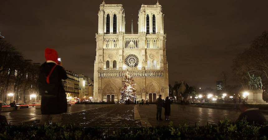 Reportan incidente cerca de la catedral de Notre Dame
