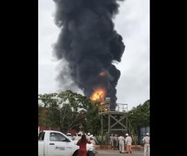 Incendio en Salina Cruz, Oaxaca