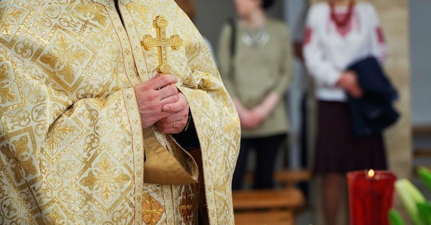 Multa CFE a iglesia por robo de luz