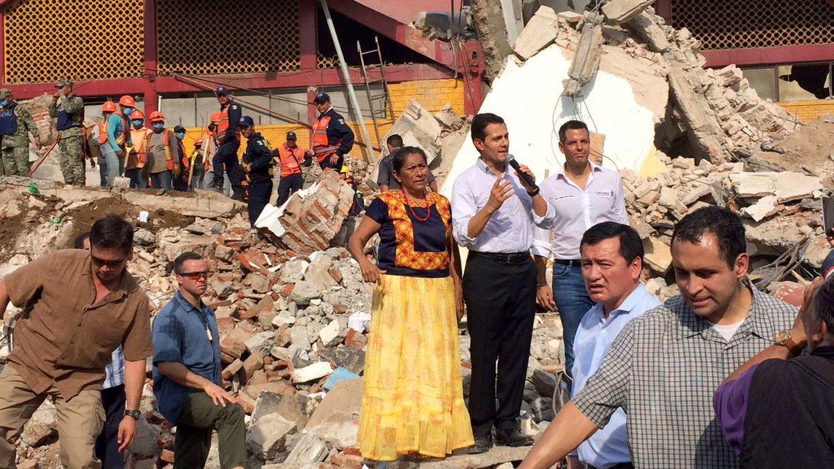 Peña Nieto dando mensaje en una de las zonas más afectadas del temblor
