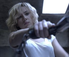 Scarlet Johansson como Lucy