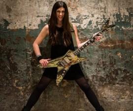 Esta mujer se ha convertido en la primer cantante de metal en declararse transgénero