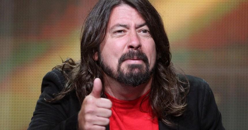 8 razones que hacen a Dave Grohl el 'grungero' más buena onda