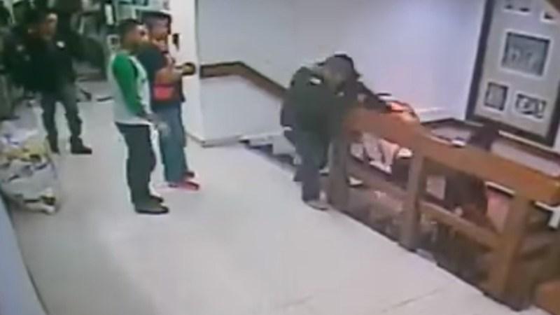 Momento en que pretende escapar un secuestrador