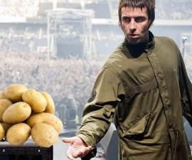Fan pela una papa en concierto de Liam Gallagher porque sí, Liam lo pidió