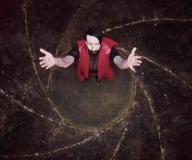 ¡Orgías time! Marilyn Manson estrena video para 'KILL4ME' con Johnny Deep