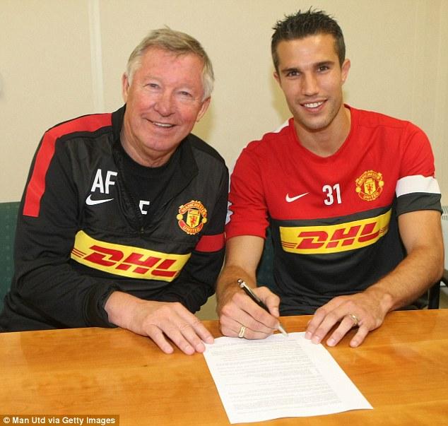 ¿Se acuerdan cuando Van Persie dejó al Arsenal por el Manchester United?
