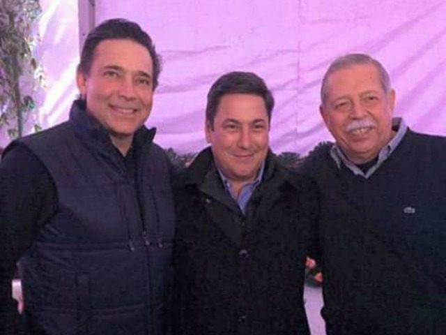 Former Tamaulipas Governor Eugenio Hernandez poses with gubernatorial candidate Baltazar Hinojosa and current governor Egidio Torre