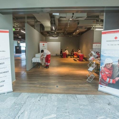 Hűsölő pontot nyitott a Vöröskereszt Bécsben