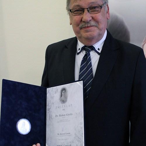 Dr. Rakos Gyula osztályvezető főorvos részesült idén Erzsébet-díjban