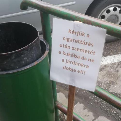 Táblákkal a cigarettacsikkek ellen! (videó)