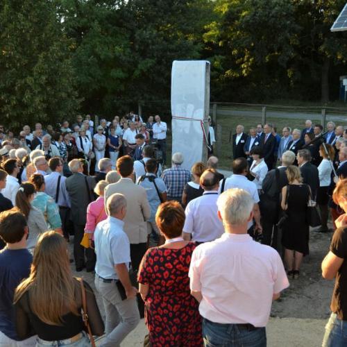 A Berlini fal 61.számú darabja került felavatásra a Páneurópai Piknik Emlékhelyen