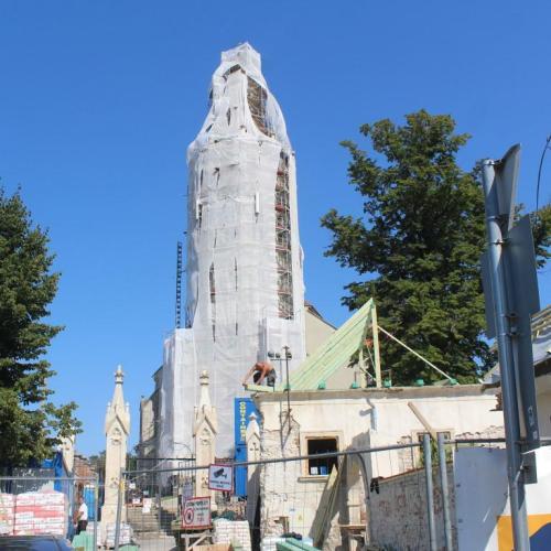 Betekinthettünk a Szent Mihály templom felújítási munkálataiba