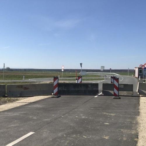 Megnyílt a határ Zsira illetve Lutzmannsburg ( Locsmánd ) között
