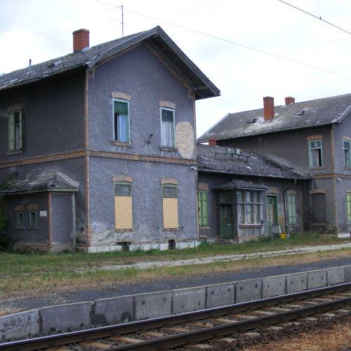 Egy forintos, jelképes összegért adja bérbe a GYSEV a harkai állomásépületet
