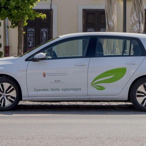 Két elektromos autót vehet a soproni önkormányzat