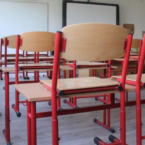 A középiskolákban marad a távoktatás és a kijárási korlátozás sem veszti hatályát február 1-ig!