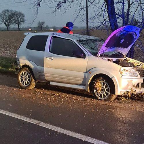 Árokba csapódott egy autó Zsira és Sopronhorpács között